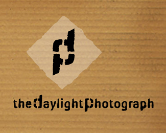 Daylight Photograph Logo